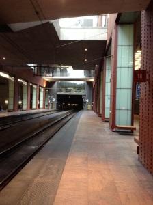 Trein komt zo. Antwerpen.